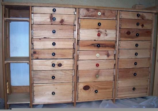 Meuble en caisse de vin1 - Meuble caisse de vin en bois ...